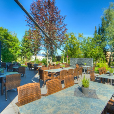 rossini-ristorante-estenfeld-location-garten-outdoor-ausen-1
